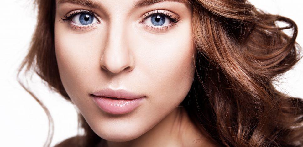 Dlaczego makijaż nude się nie nudzi?