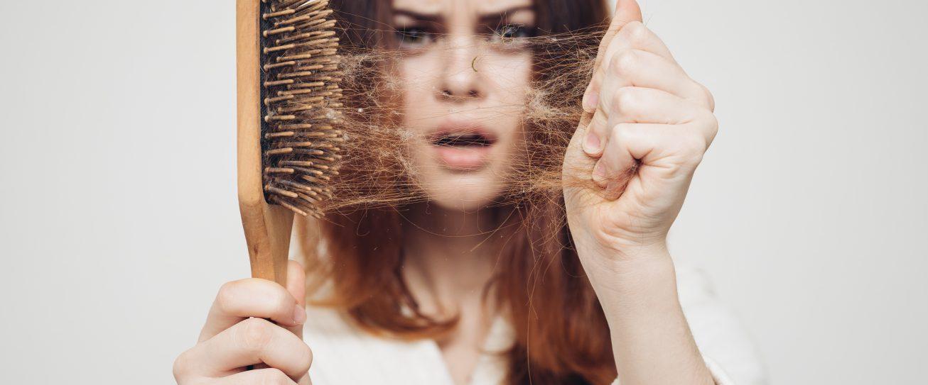 Jesienne wypadanie włosów