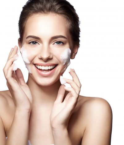 Obalamy mity natemat mycia twarzy